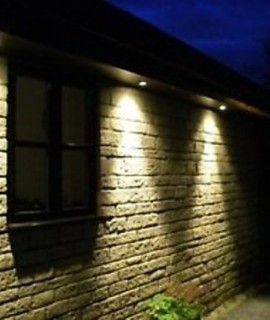 Luminaire exterieur guide des luminaires d 39 exterieur for Ampoule lampadaire exterieur