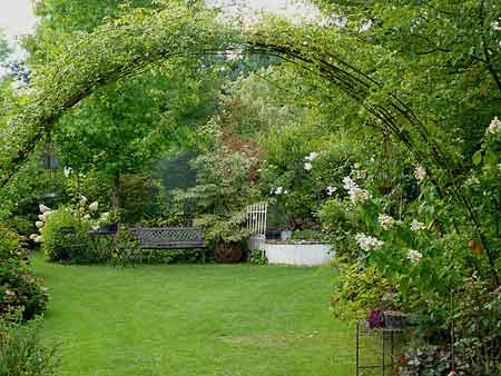dix id es pour embellir votre jardin luminaire exterieurluminaire exterieur. Black Bedroom Furniture Sets. Home Design Ideas