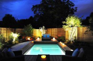 deco-bougies-piscine-terrasse-bois